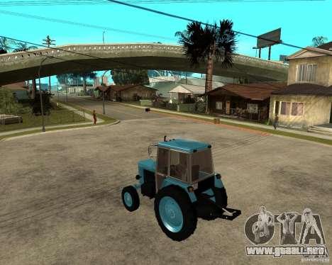 Tractor Belarus 80.1 y remolque para GTA San Andreas left