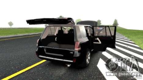 Toyota Land Cruiser 200 RESTALE para GTA 4 ruedas
