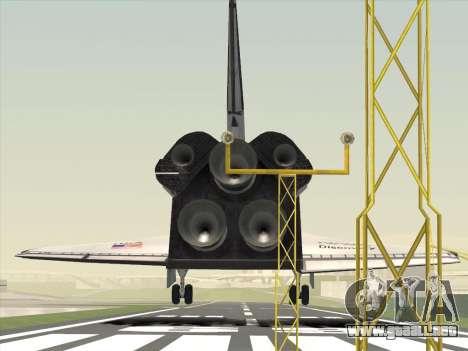 Space Shuttle para GTA San Andreas vista posterior izquierda