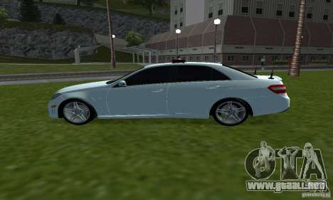 Mercedes-Benz E63 DPS para GTA San Andreas left