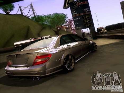 Mercedes-Benz C36 AMG para GTA San Andreas vista posterior izquierda