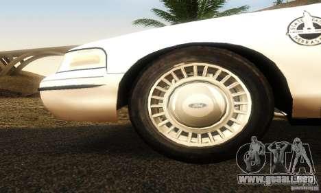 Ford Crown Victoria Neberska Police para la visión correcta GTA San Andreas