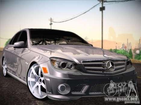 Mercedes-Benz S63 AMG para GTA San Andreas vista posterior izquierda