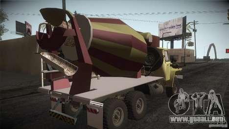 Ural 4320 hormigonera para la visión correcta GTA San Andreas