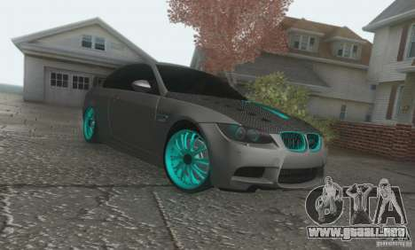 BMW M3 E92 Hellaflush v1.0 para GTA San Andreas left