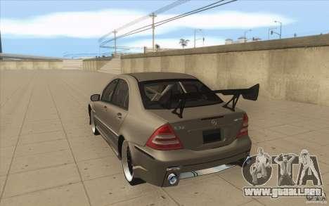 Mercedes-Benz C32 AMG Tuning para GTA San Andreas vista posterior izquierda