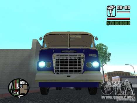Ikarus 630 para GTA San Andreas left