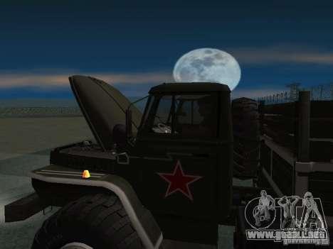 Desfile Ural 43206 para la visión correcta GTA San Andreas