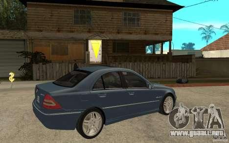 Mercedes-Benz C32 AMG 2003 para la visión correcta GTA San Andreas
