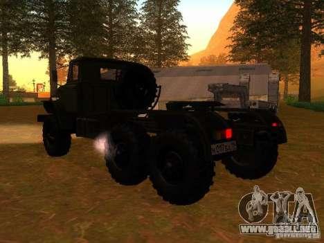 Ural-4420 tractor para GTA San Andreas vista posterior izquierda