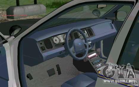 Ford Crown Victoria Police para GTA San Andreas vista hacia atrás