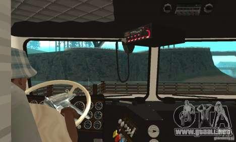 White Freightliner Extended Wheel Base para la visión correcta GTA San Andreas