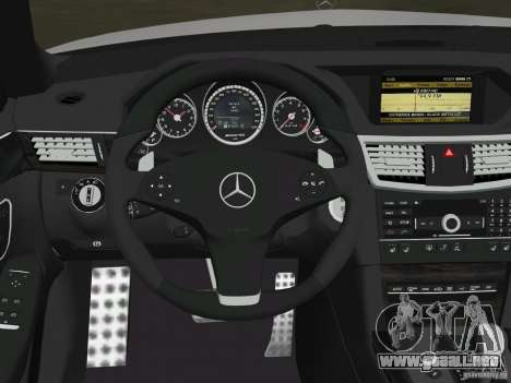 Mercedes-Benz E63 AMG para las ruedas de GTA Vice City