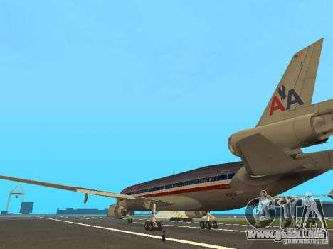 McDonell Douglas MD11 American Airlines para GTA San Andreas vista posterior izquierda