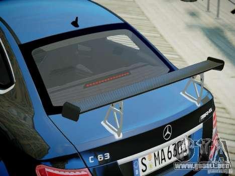 Mercedes-Benz C63 AMG Black Series 2012 v1.0 para GTA 4 visión correcta