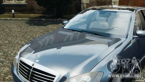Mercedes-Benz W221 S500 2006 para GTA 4 ruedas
