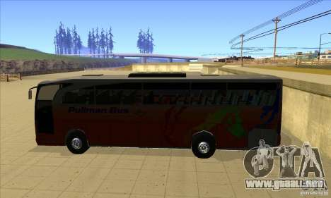Mercedes-Benz Travego para GTA San Andreas left