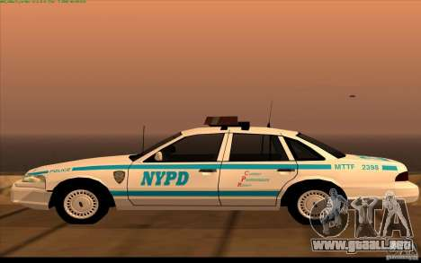 Ford Crown Victoria 1992 NYPD para GTA San Andreas left