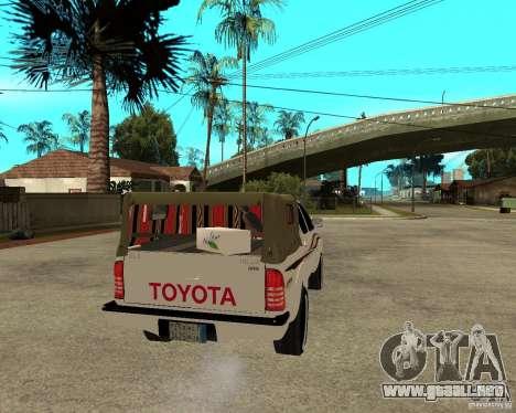 Toyota Hilux 2010 para GTA San Andreas vista posterior izquierda