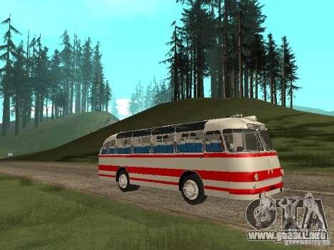 LAZ 697E turística para GTA San Andreas vista hacia atrás