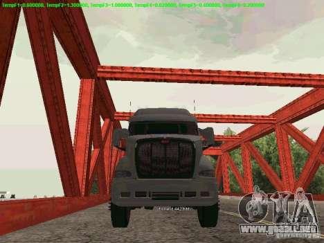 Peterbilt 387 para GTA San Andreas vista posterior izquierda