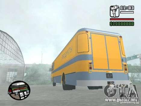 Carga lejos LIAZ de 677 m para la visión correcta GTA San Andreas