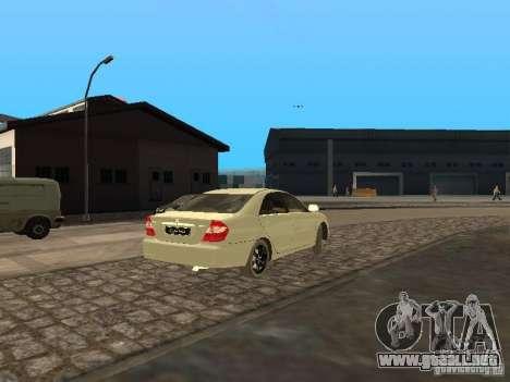 Toyota Camry 2003 para la visión correcta GTA San Andreas