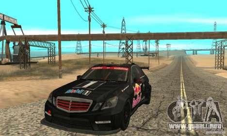 Mercedes-Benz E63 AMG DTM 2011 para GTA San Andreas