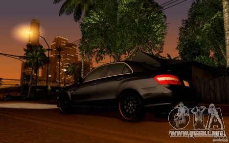 Mercedes Benz E63 DUB para la visión correcta GTA San Andreas