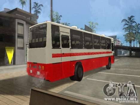 IKARUS 250 para GTA San Andreas left