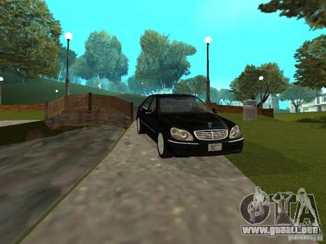 Mercedes-Benz S600 Biturbo 2003 v2 para GTA San Andreas left