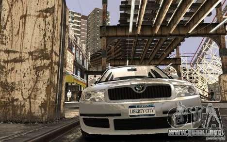 Skoda SuperB para GTA 4 vista lateral