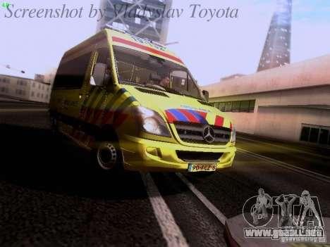 Mercedes-Benz Sprinter Ambulance para GTA San Andreas left