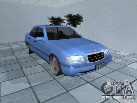 Mercedes Benz C220 para GTA San Andreas left
