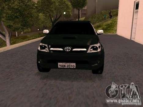 Toyota Hilux SRV 3.0 4X4 Automatica para GTA San Andreas vista hacia atrás