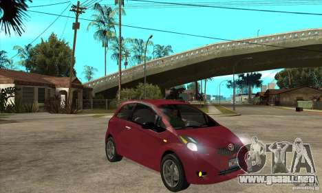 Toyota Yaris para GTA San Andreas vista hacia atrás