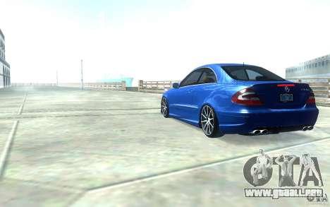 Mercedes-Benz CLK55 AMG para GTA San Andreas vista posterior izquierda