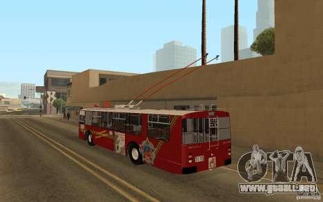 ZiU 682 para GTA San Andreas vista posterior izquierda