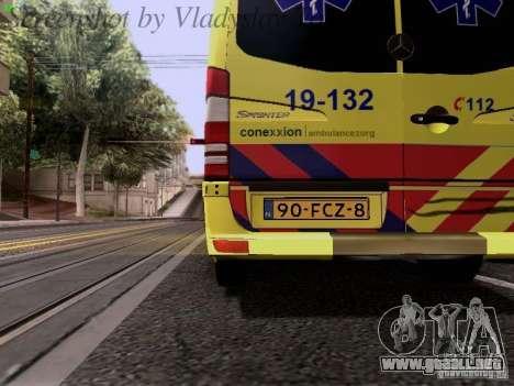 Mercedes-Benz Sprinter Ambulance para vista lateral GTA San Andreas