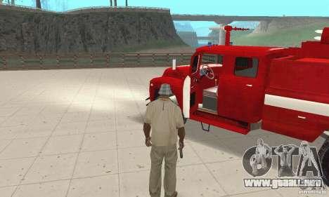 ZIL-130 incendios para GTA San Andreas vista hacia atrás