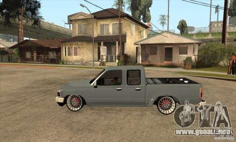Toyota Hilux 1990 para GTA San Andreas left