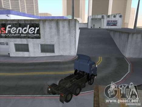 KAMAZ 54115 para GTA San Andreas vista hacia atrás