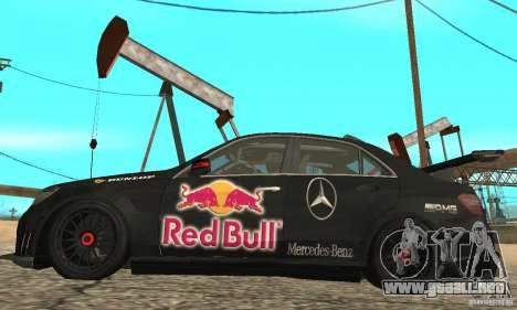 Mercedes-Benz E63 AMG DTM 2011 para GTA San Andreas vista hacia atrás