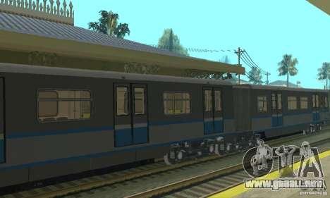 Tren Rusich 4 para GTA San Andreas vista hacia atrás