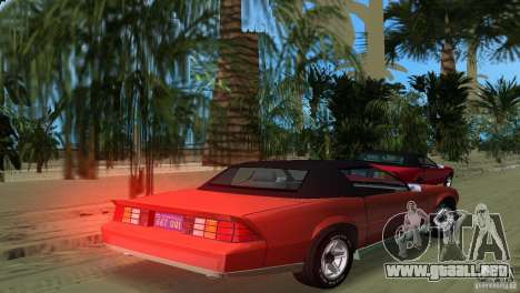 Chevrolet Camaro Convertible 1986 para GTA Vice City left