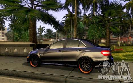 Mercedes Benz E63 DUB para GTA San Andreas vista posterior izquierda