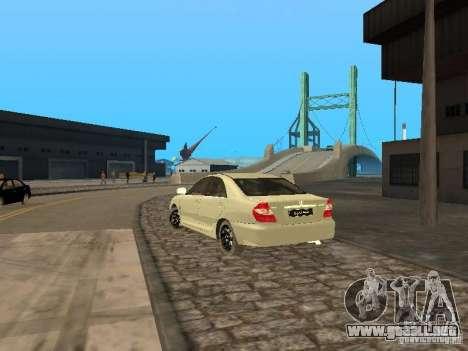 Toyota Camry 2003 para GTA San Andreas vista posterior izquierda