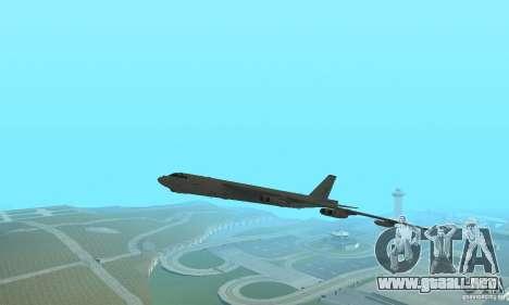 Boeing B-52H Stratofortress para GTA San Andreas vista posterior izquierda