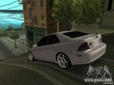 Lexus IS300 para GTA San Andreas vista posterior izquierda