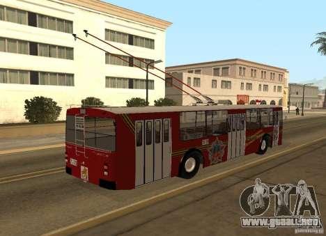 ZiU 682 para GTA San Andreas vista hacia atrás